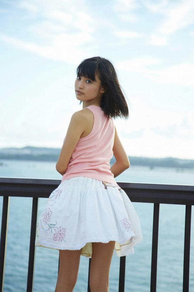 小島瑠璃子 画像039