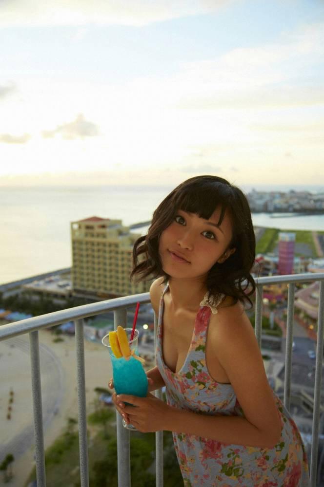 小島瑠璃子 画像074