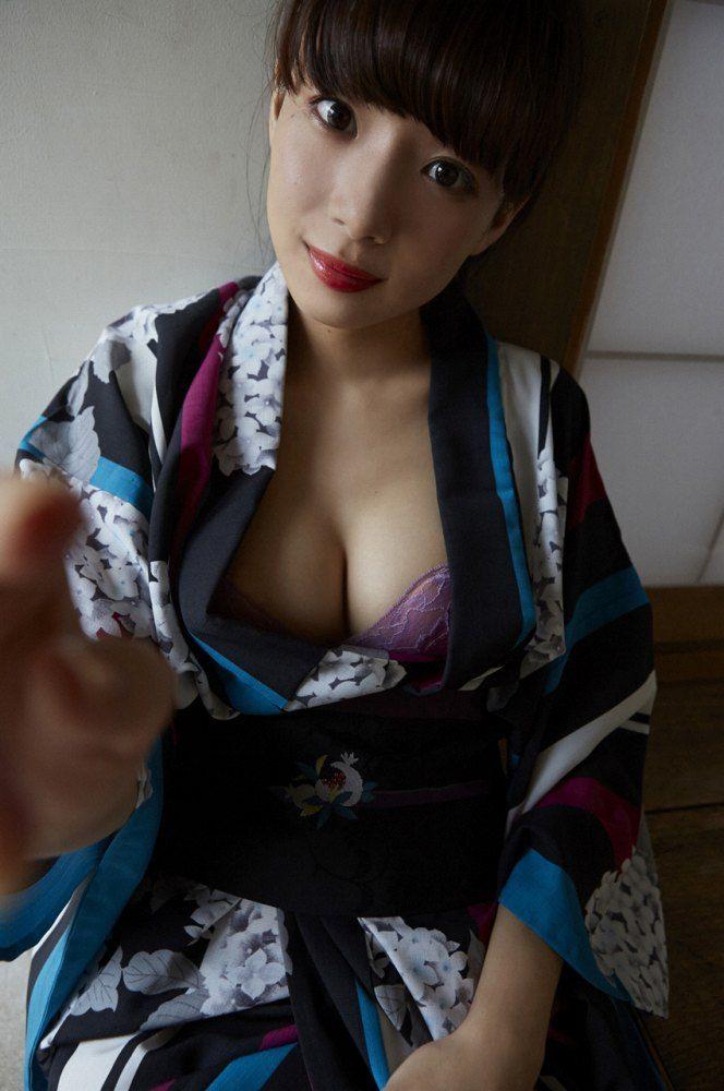 岡田紗佳 画像001