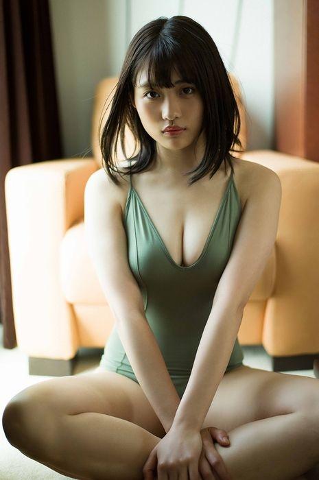 石田桃香 画像001