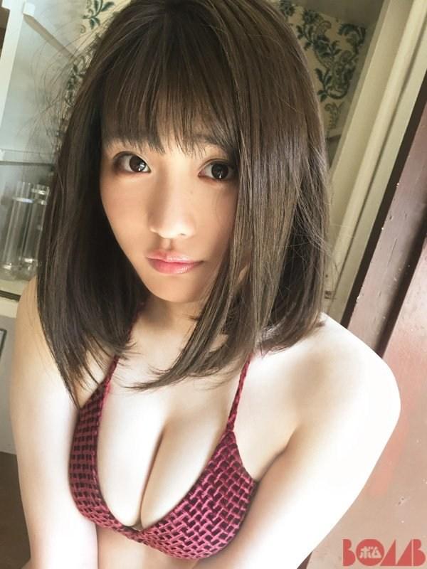 石田桃香 画像012
