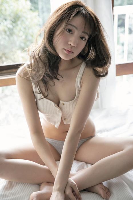 志田友美 画像003