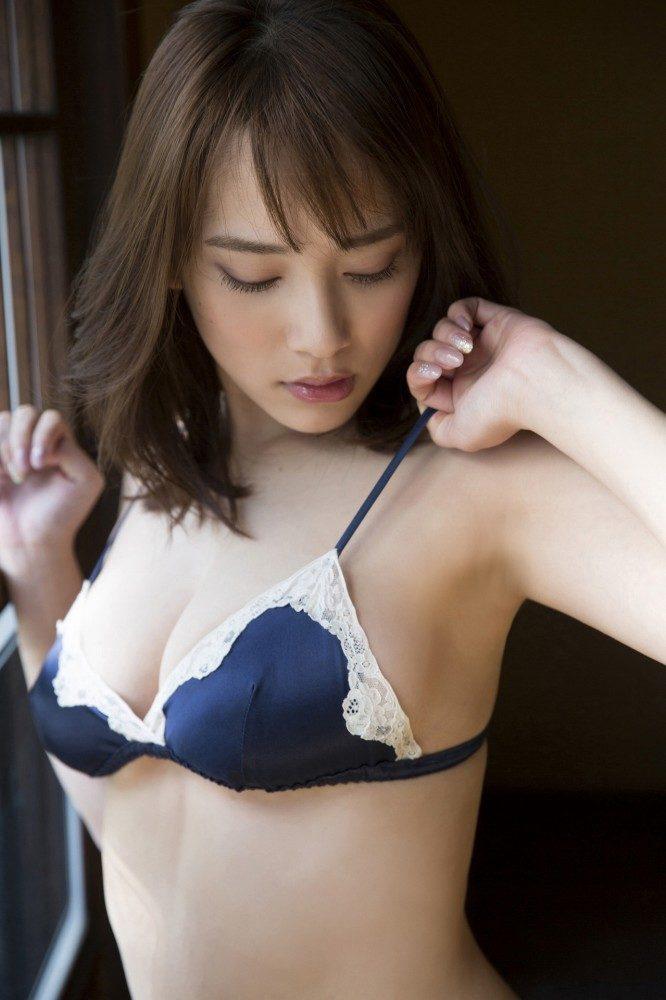 都丸紗也華エロ画像053