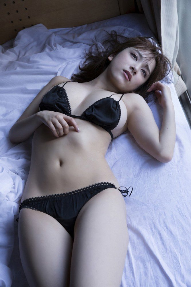 都丸紗也華エロ画像076
