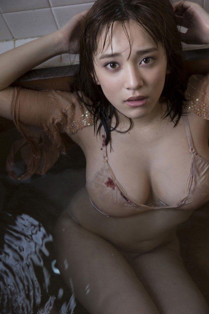 都丸紗也華エロ画像082