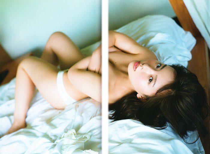 山田菜々 画像057