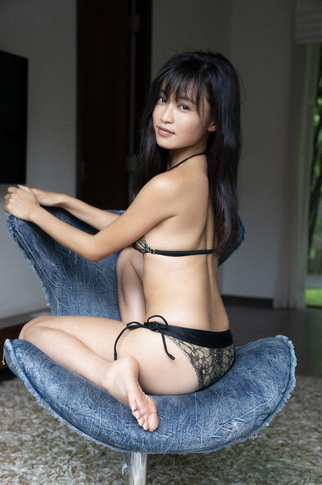 小島瑠璃子 画像043