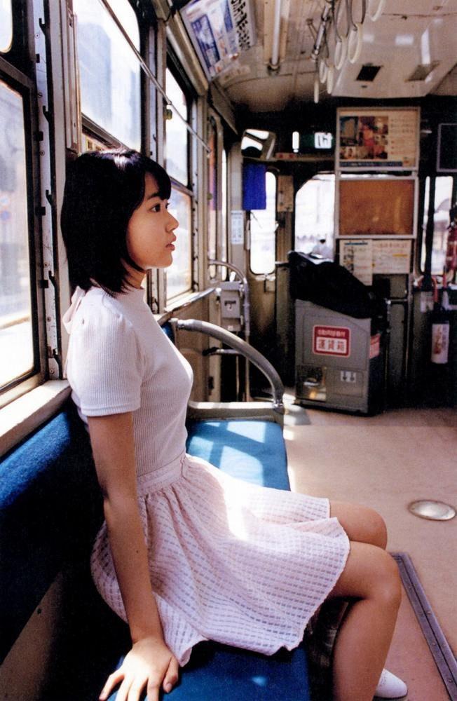 宮脇咲良 画像008