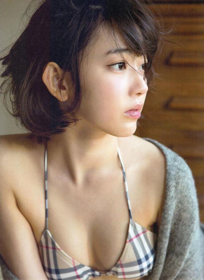 宮脇咲良エロ画像025