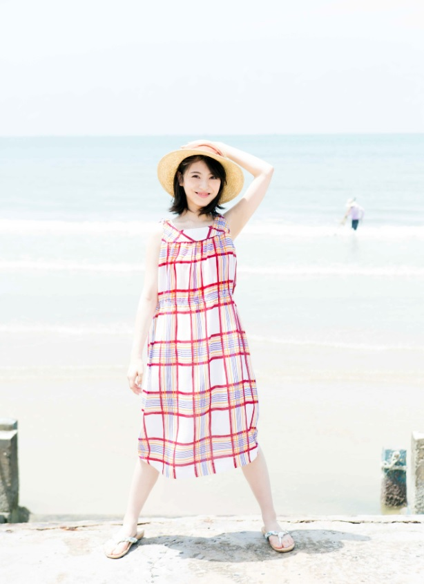 浜辺美波 画像027