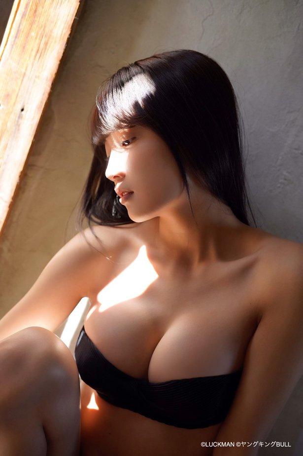 黒木ひかり 画像002