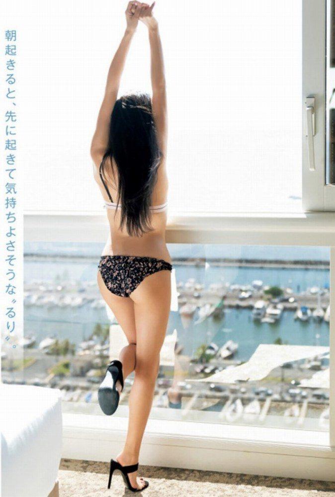 小島瑠璃子 画像004