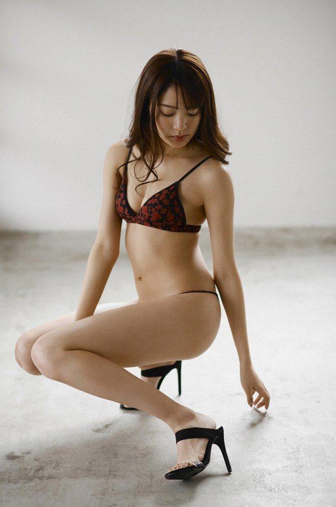 志田友美 画像042