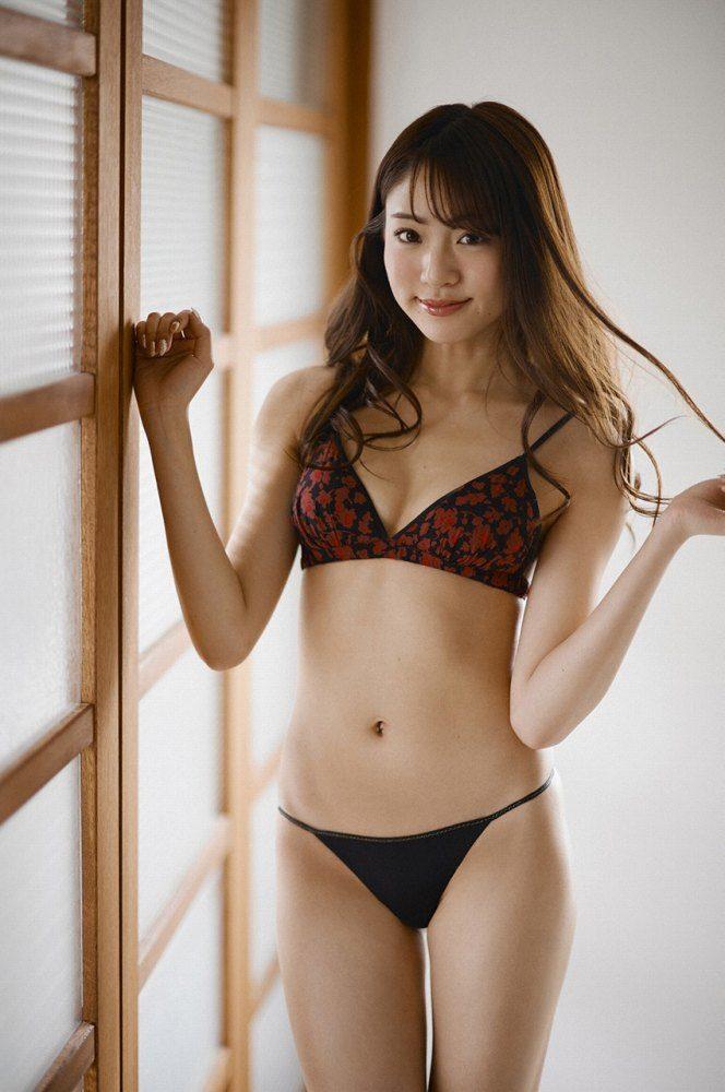 志田友美 画像044