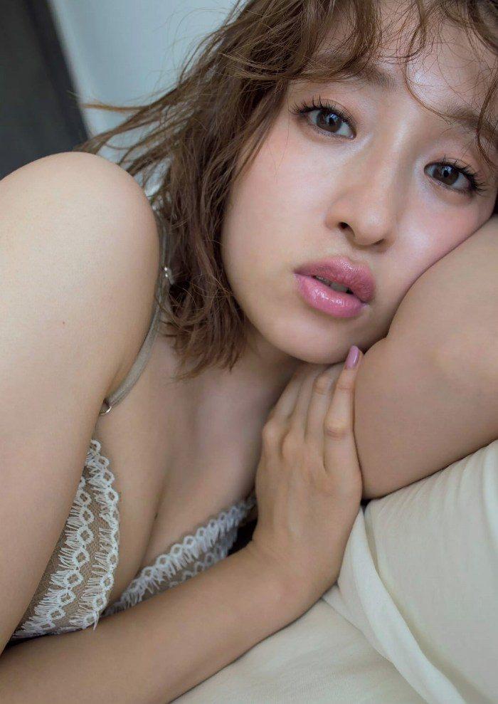 梅田彩佳 画像004