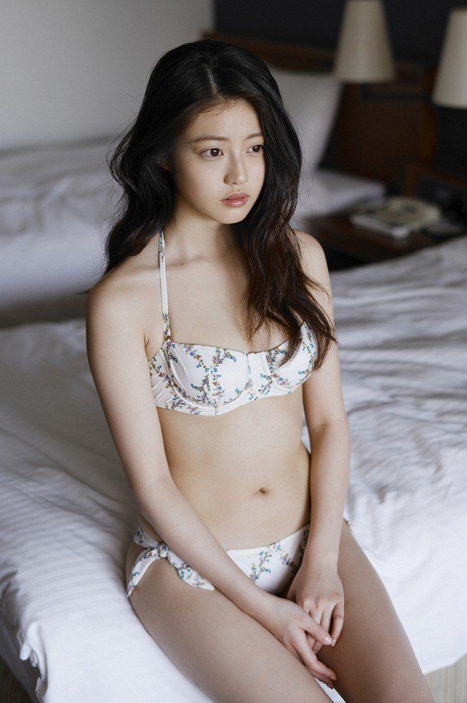 今田美桜 画像034