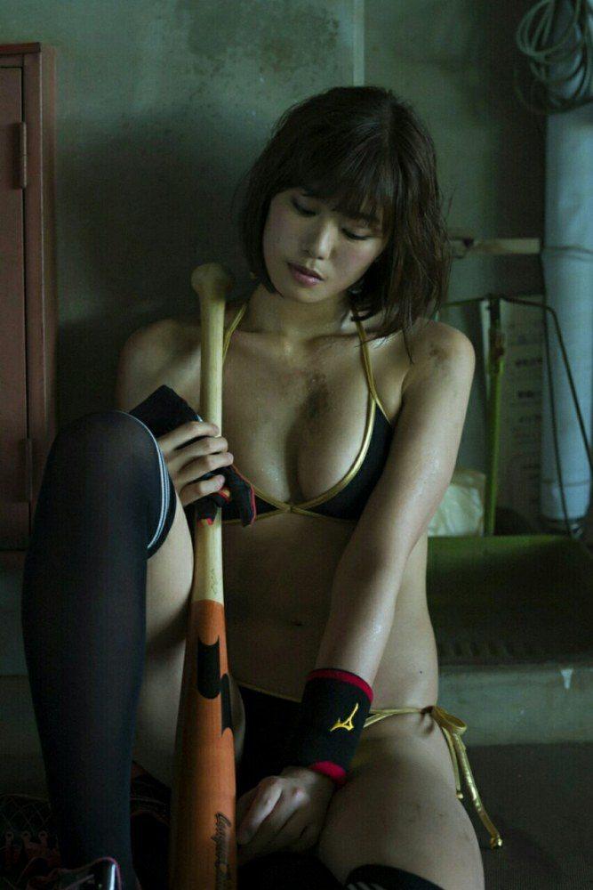 稲村亜美 画像051