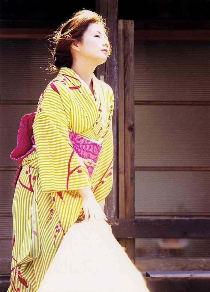 吉本多香美 画像076