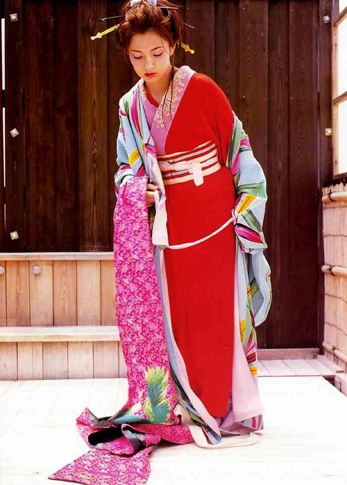 吉本多香美 画像097
