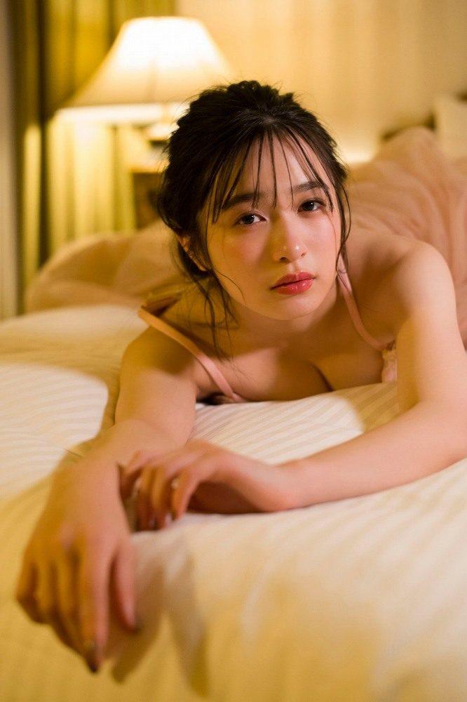 早川渚紗 画像097