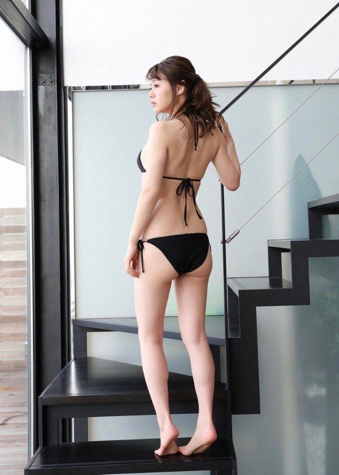 井口綾子 画像006
