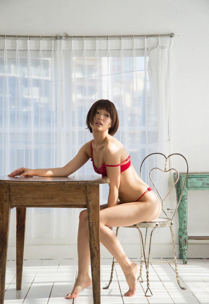 川上奈々美 画像046