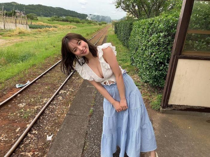 新井遥 画像011