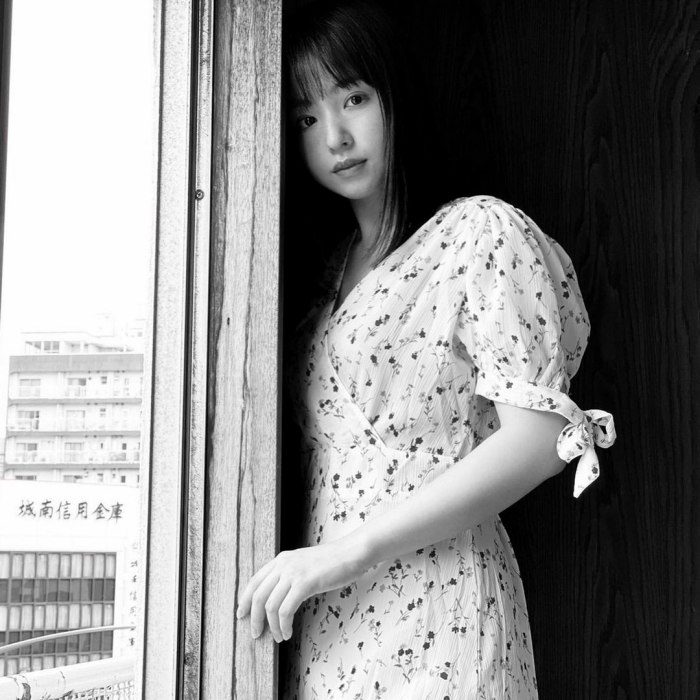 新井遥 画像055
