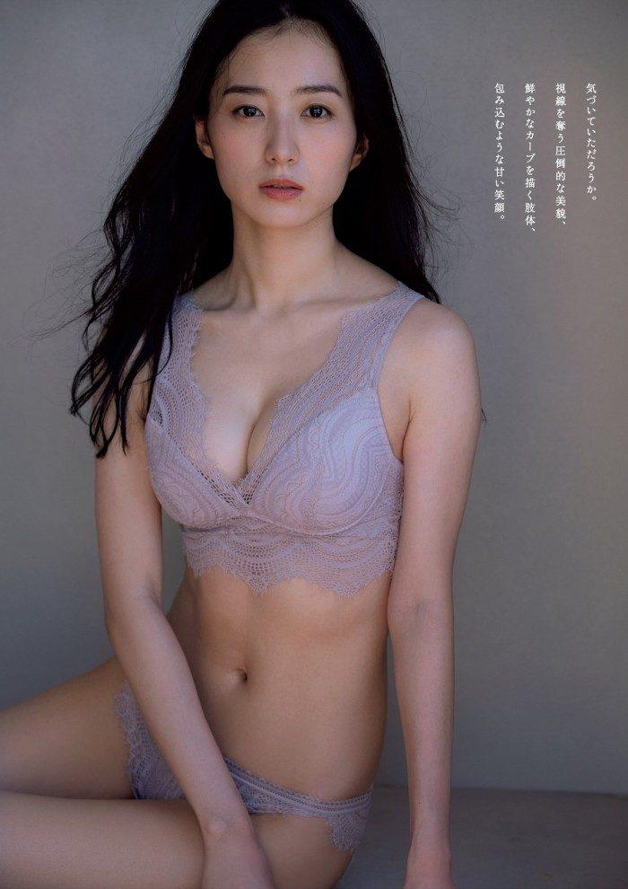 高田里穂 画像003